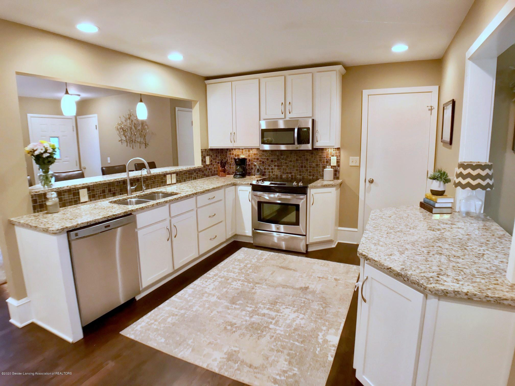 1017 Delridge Rd - kitchen - 10