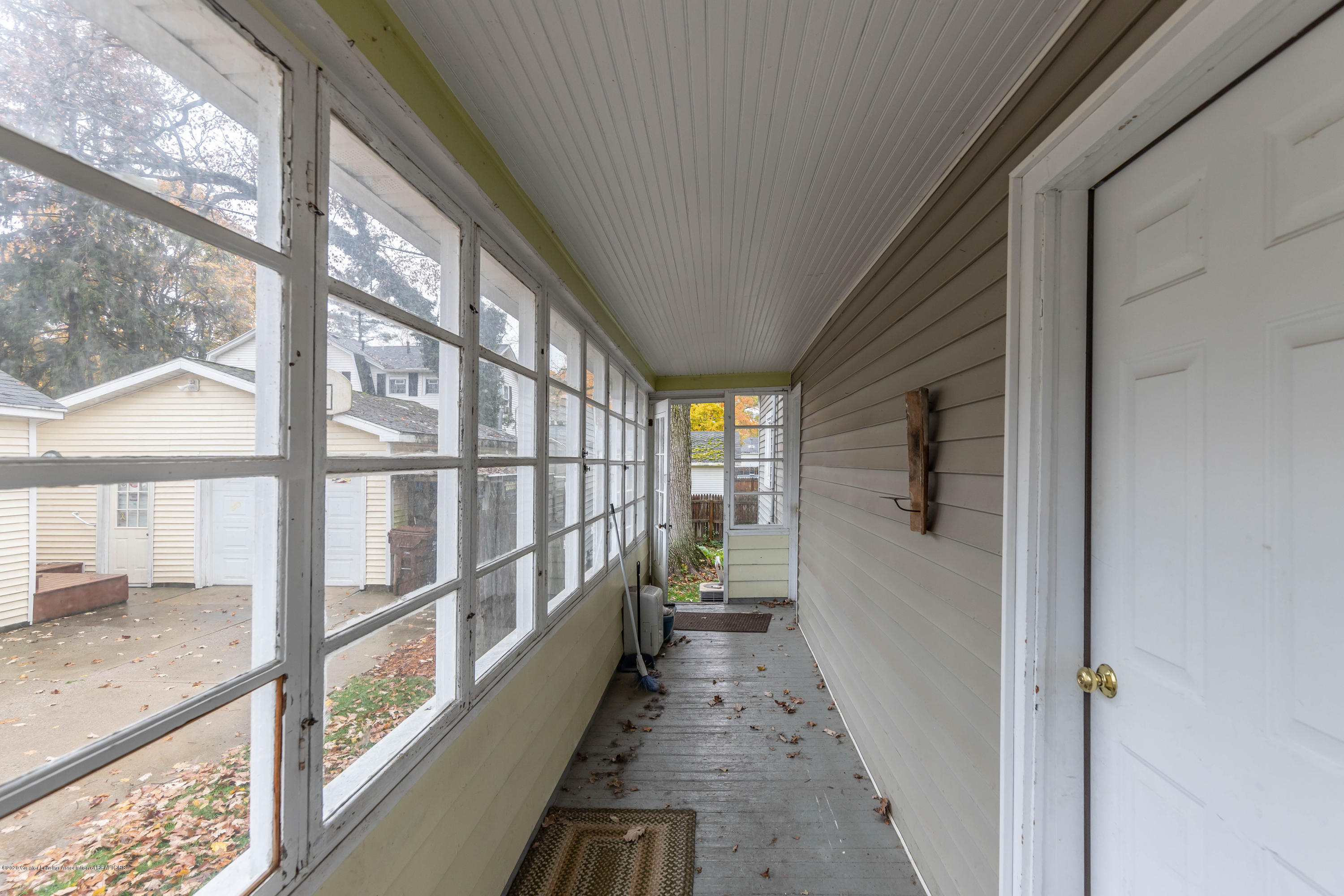 214 S East St - eaststporch2 (1 of 1) - 3