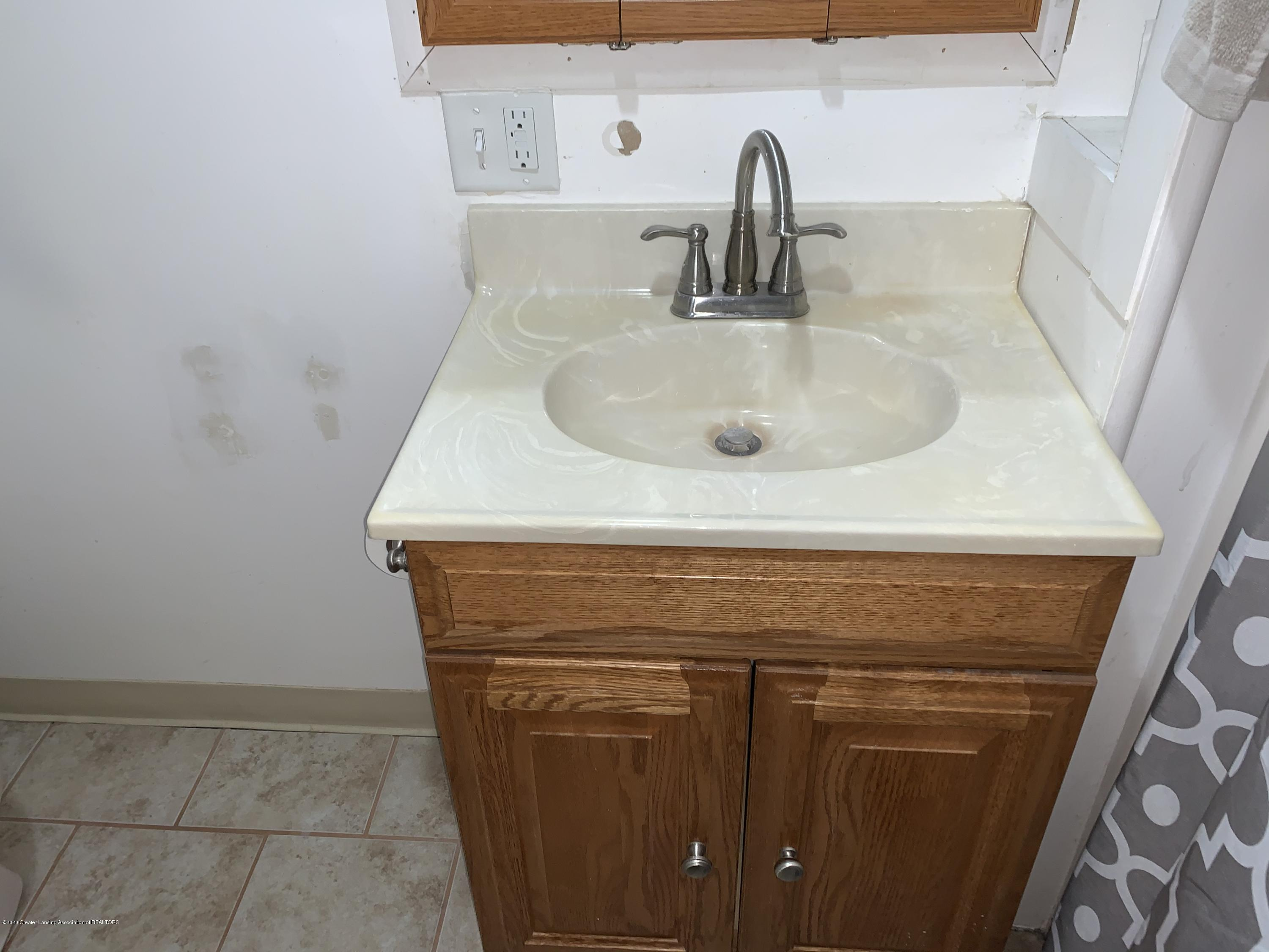 6172 Porter Ave - Bathroom - 27