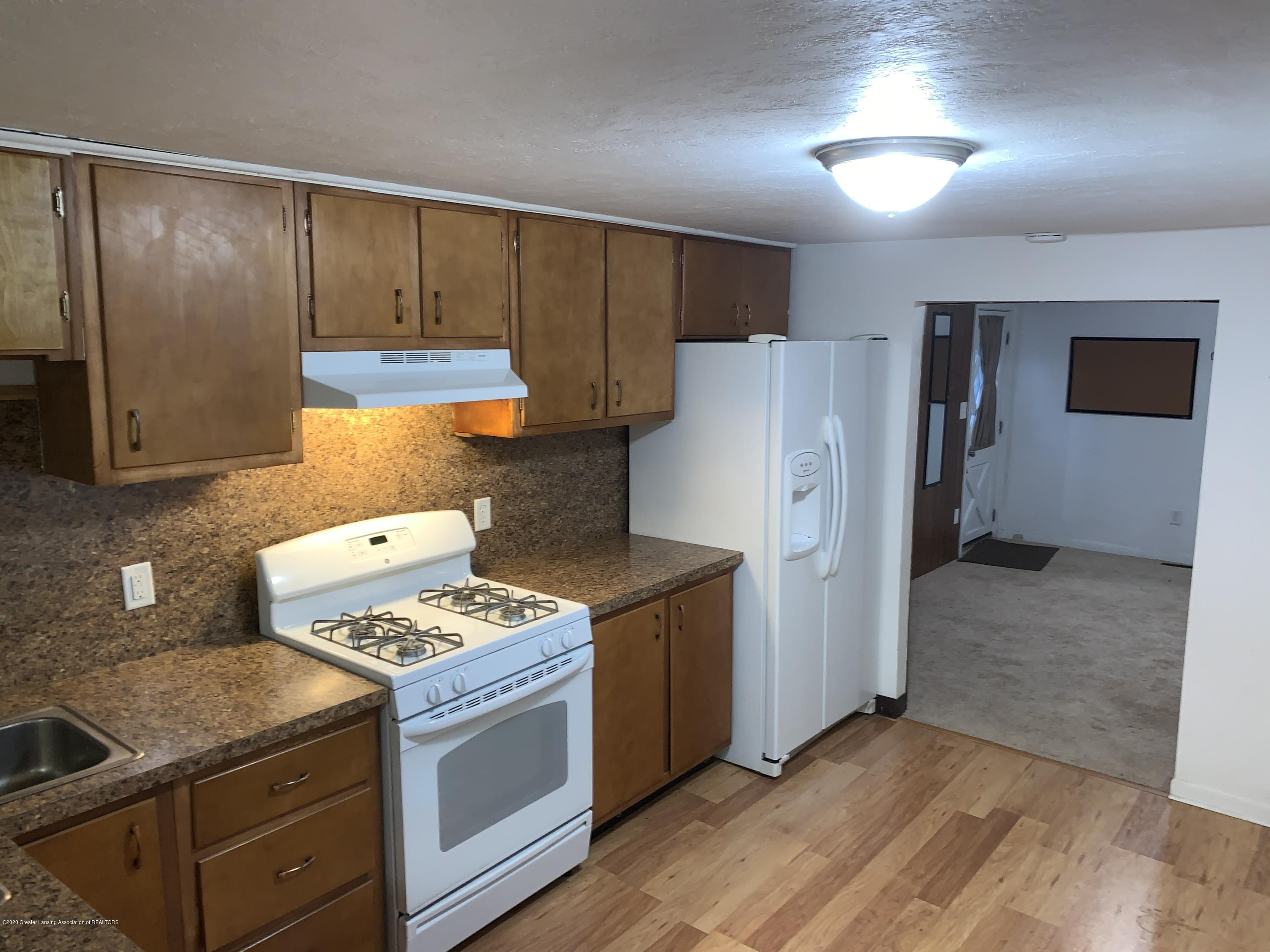 6172 Porter Ave - Kitchen - 11