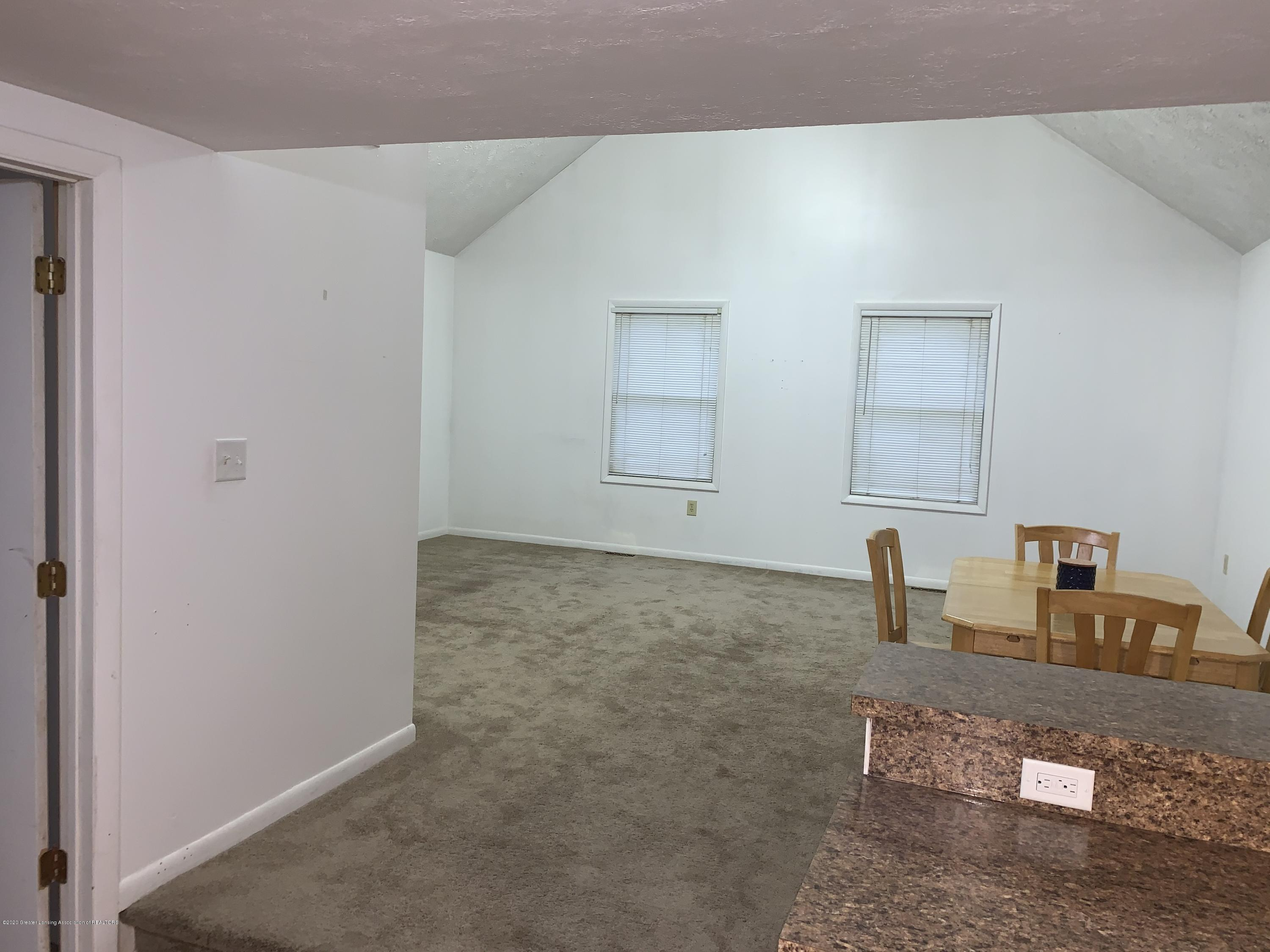 6172 Porter Ave - Family Room - 13