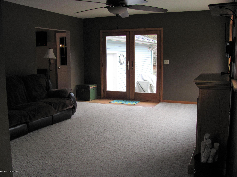 3643 E Vermontville Hwy - Living Room - 24