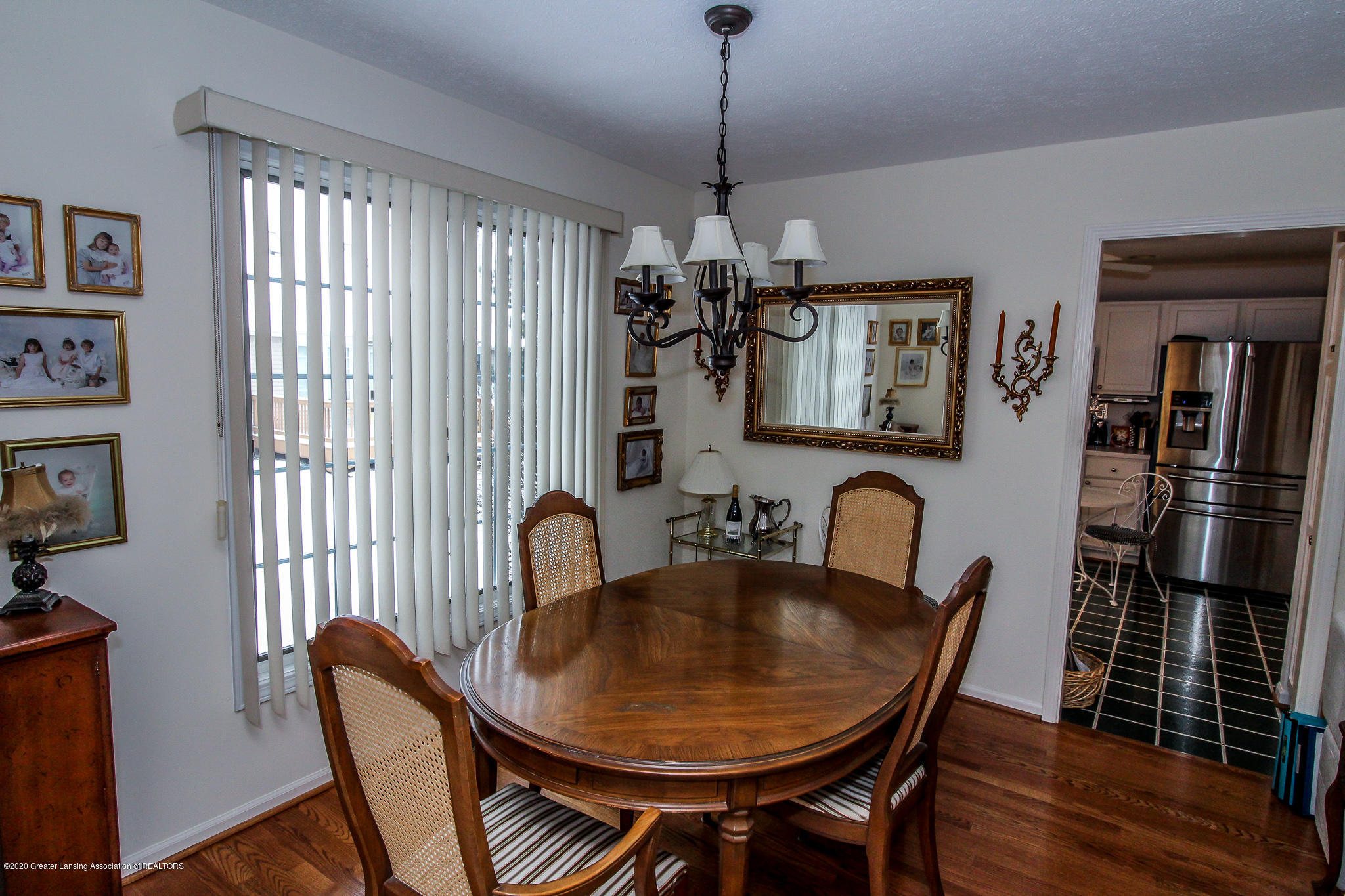 516 Cherbourg Dr - Dining Room - 9