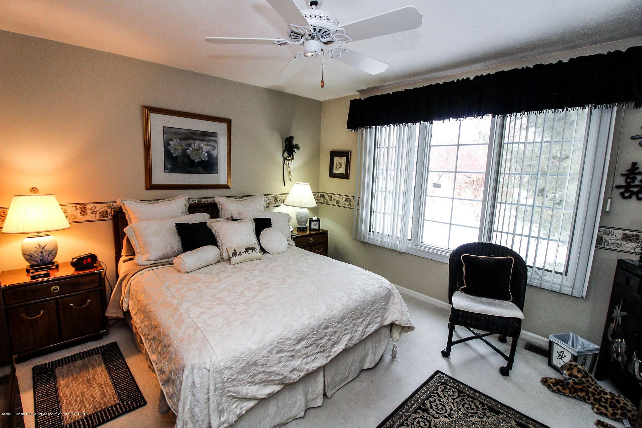 516 Cherbourg Dr - Master Bedroom - 16