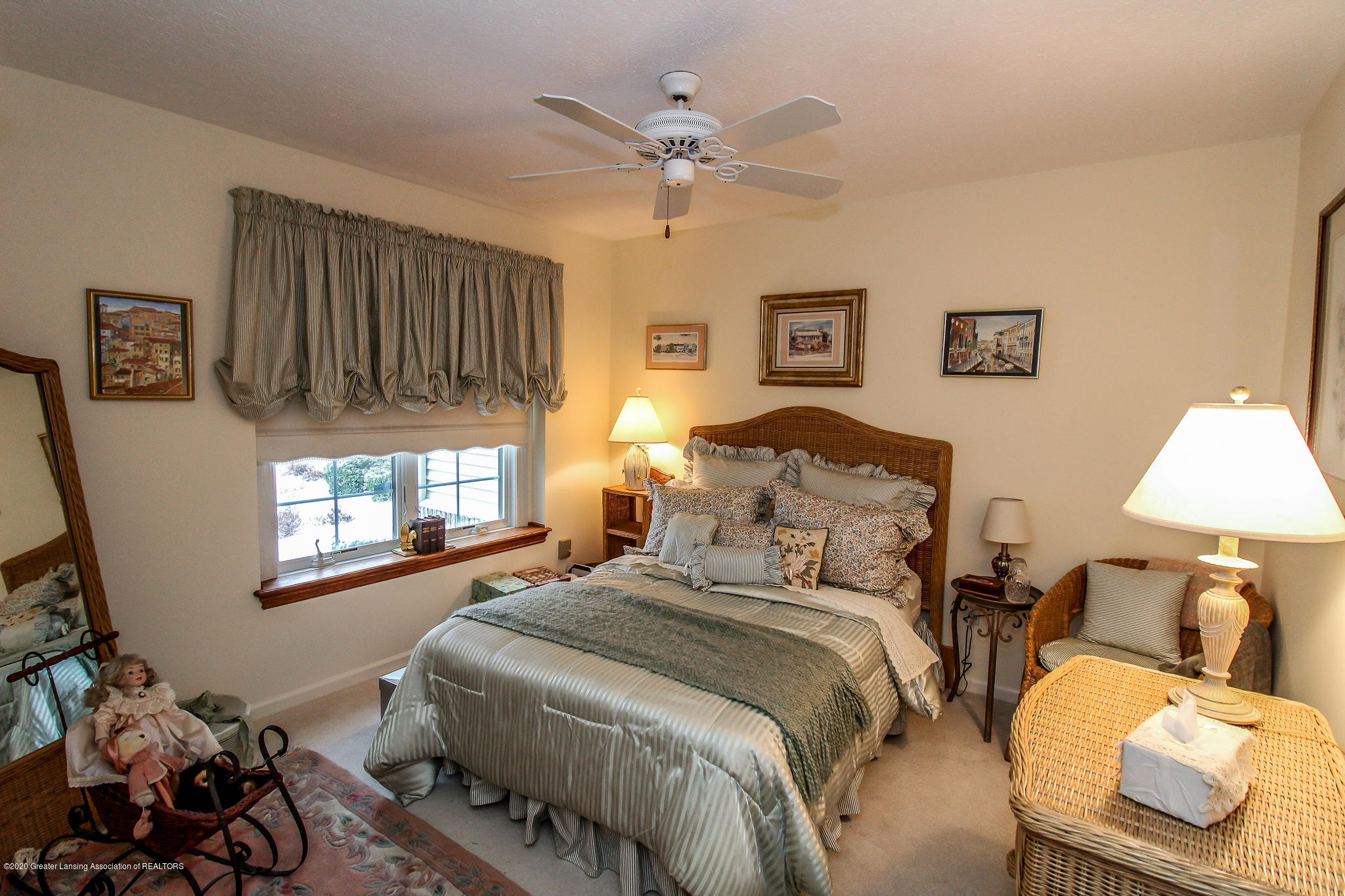 516 Cherbourg Dr - Bedroom - 19