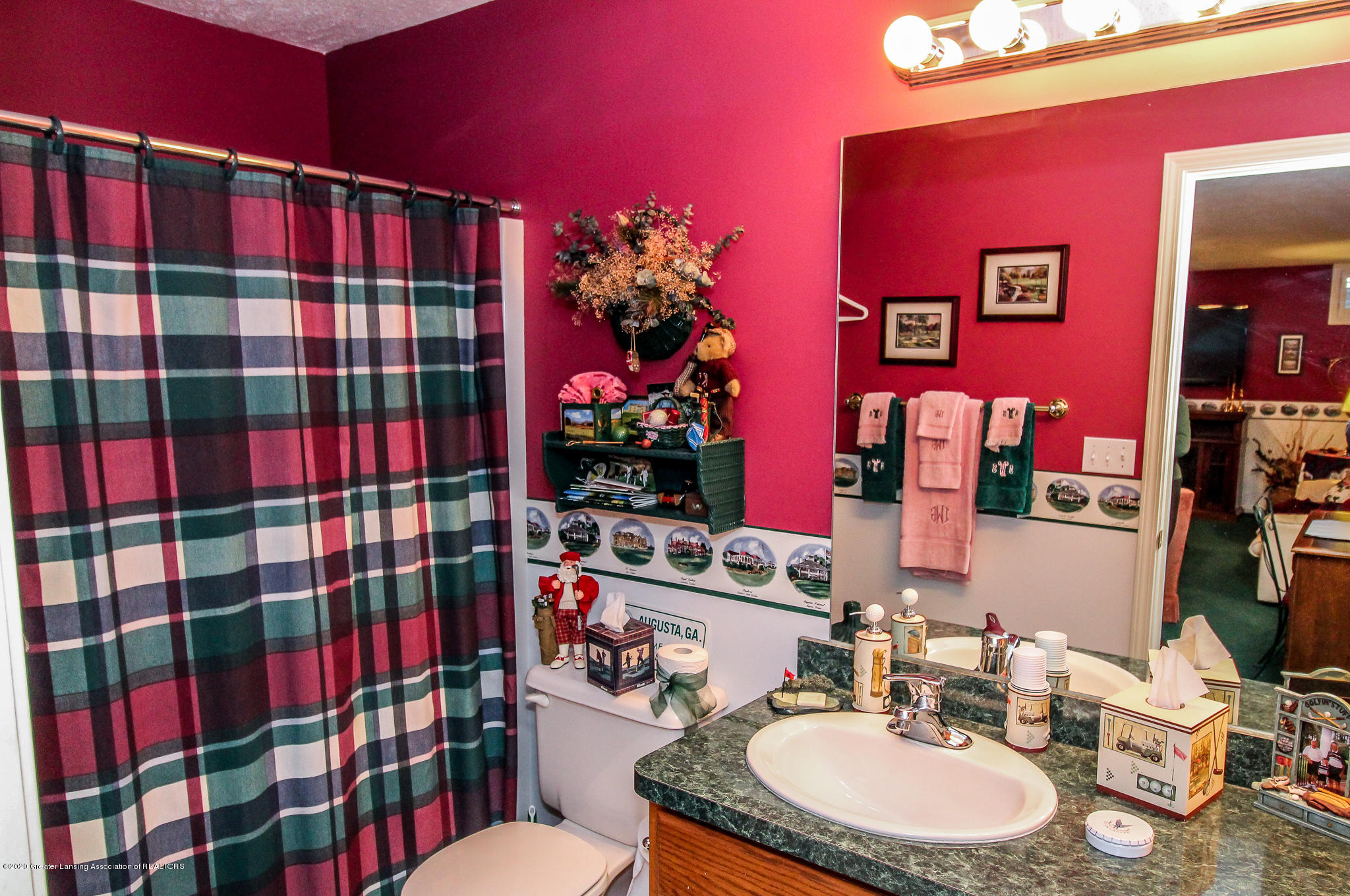516 Cherbourg Dr - Full Bath Lower Level - 26