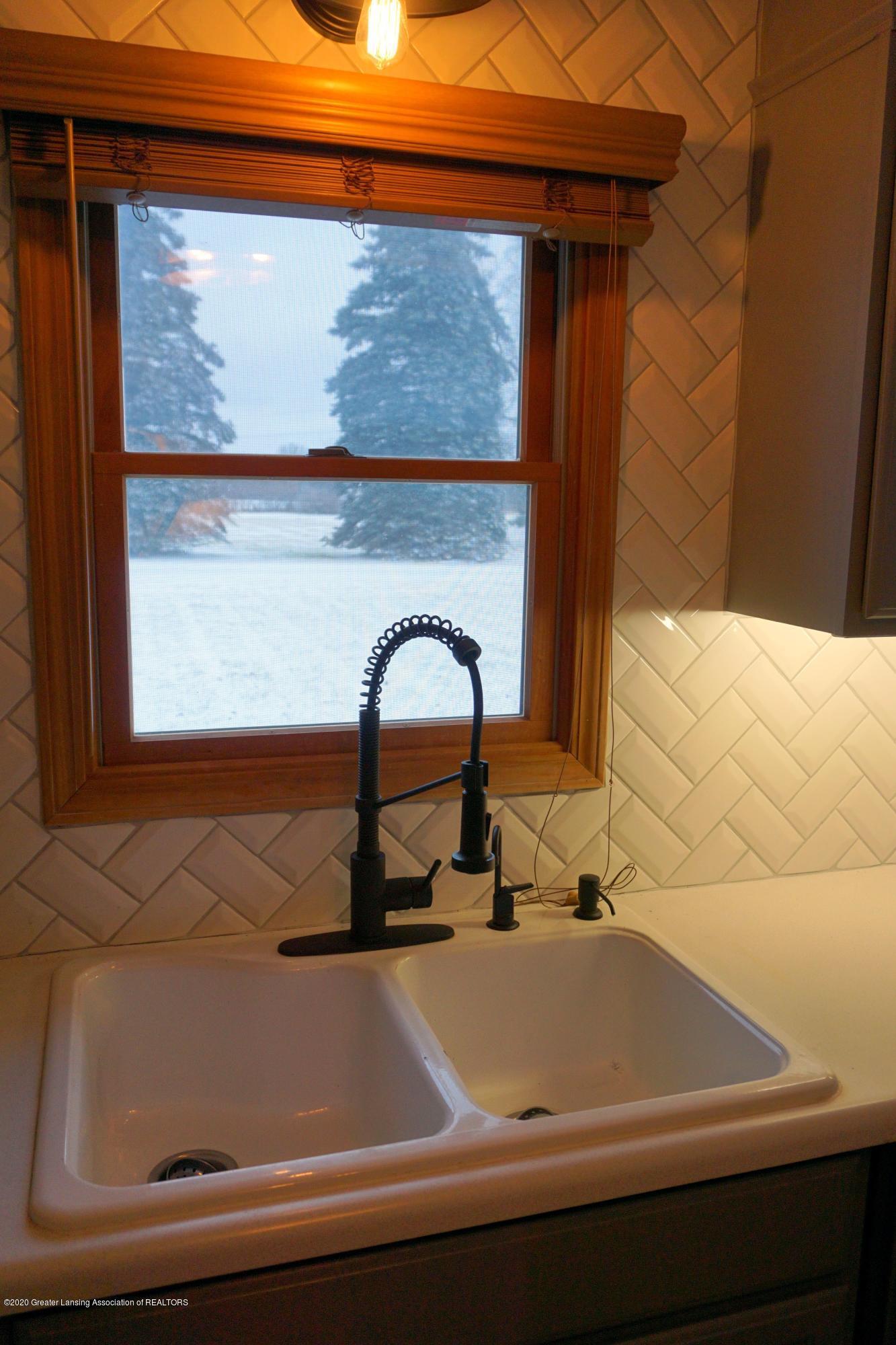 11867 Old Woodbury Rd - Kitchen sink view - 4