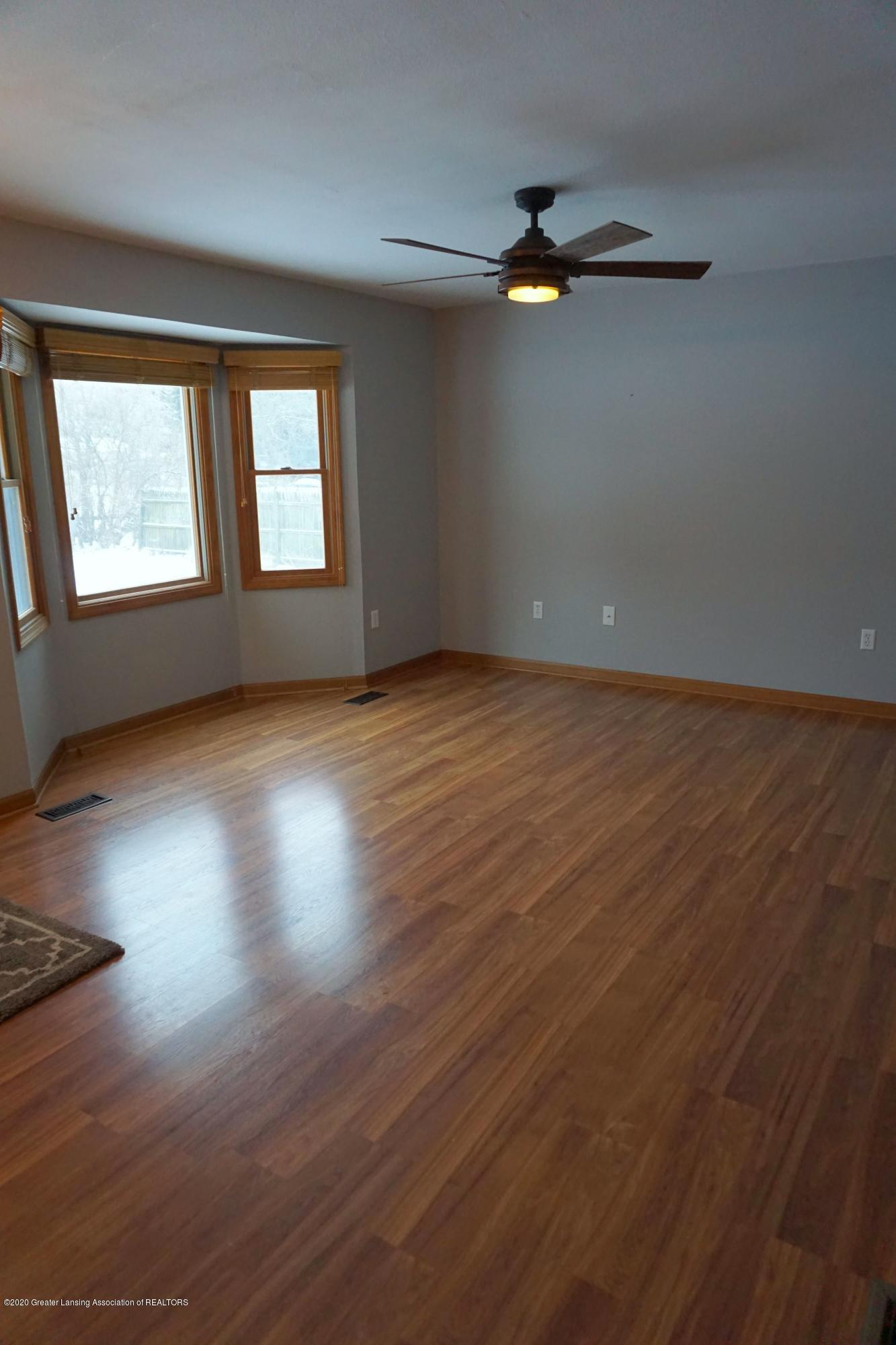 11867 Old Woodbury Rd - Living Room - 9