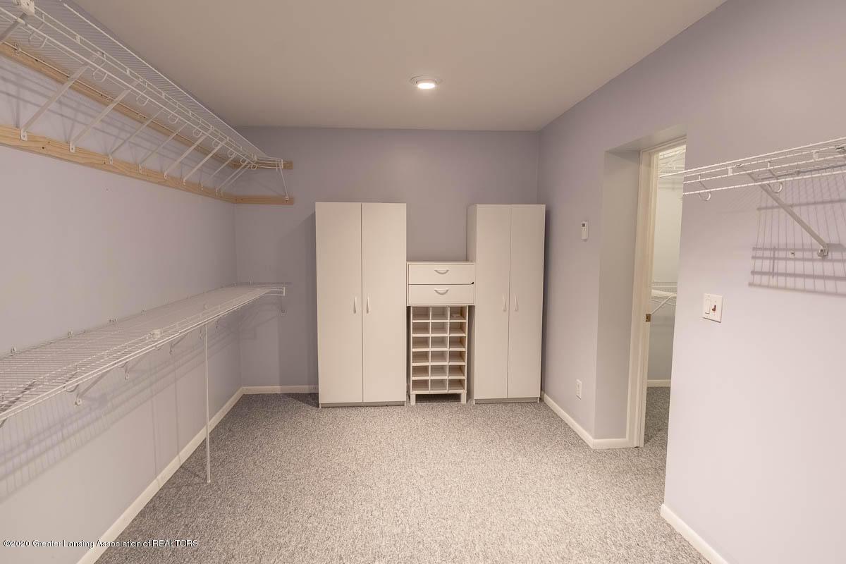 333 S Sheldon St - Master Closet - 32