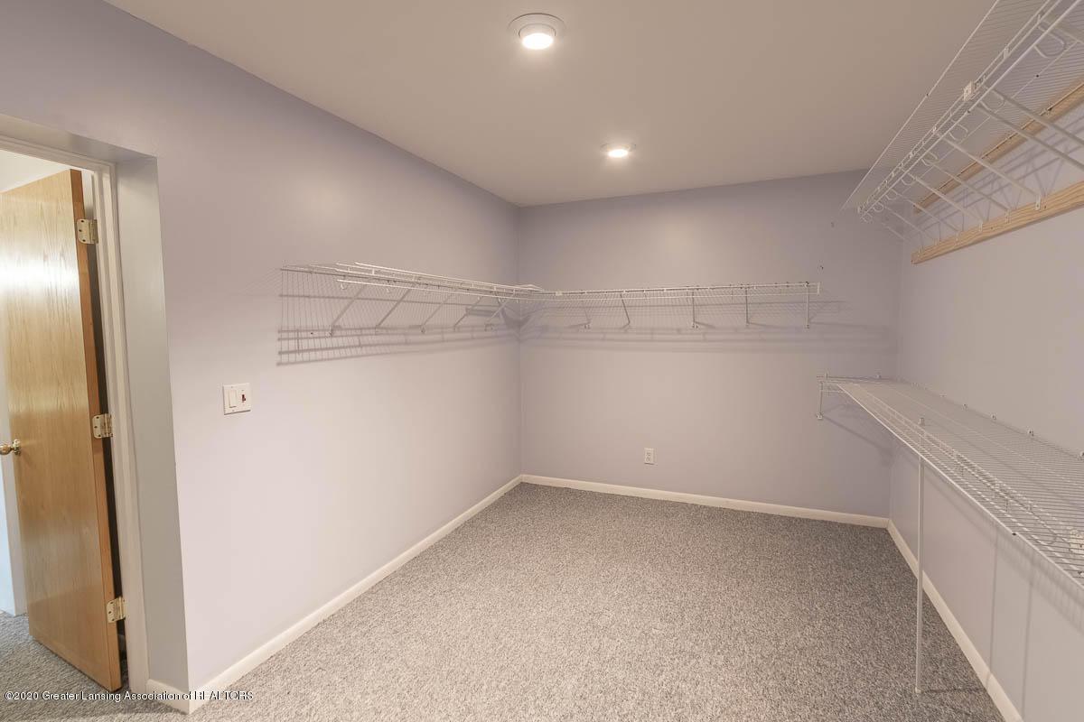 333 S Sheldon St - Master Closet - 33