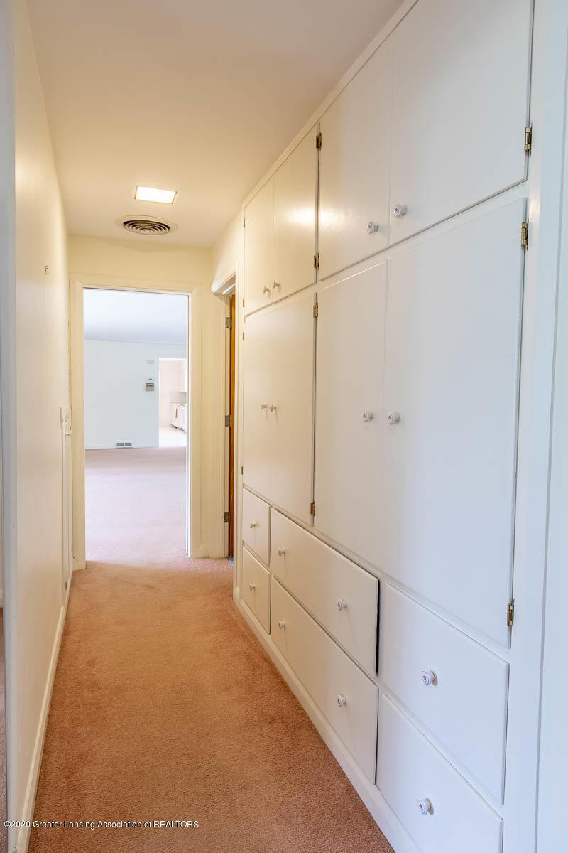 333 S Sheldon St - Hallway Built In Storage - 42