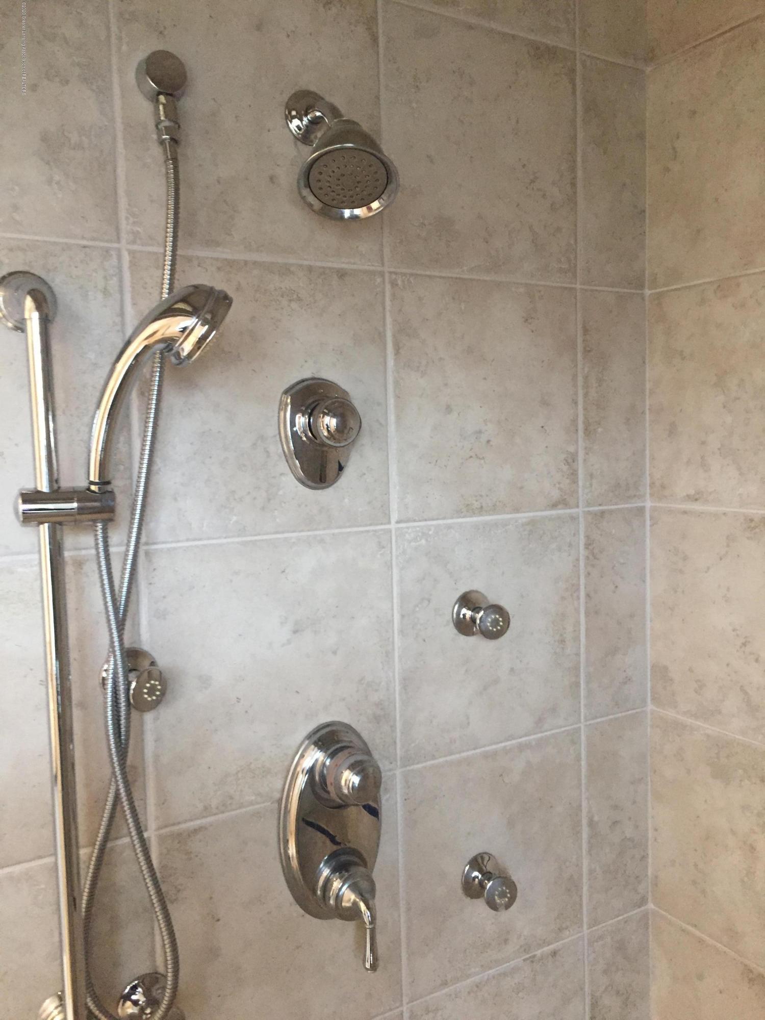 2344 Coyote Creek Dr - 1 CC master bath shower - 22