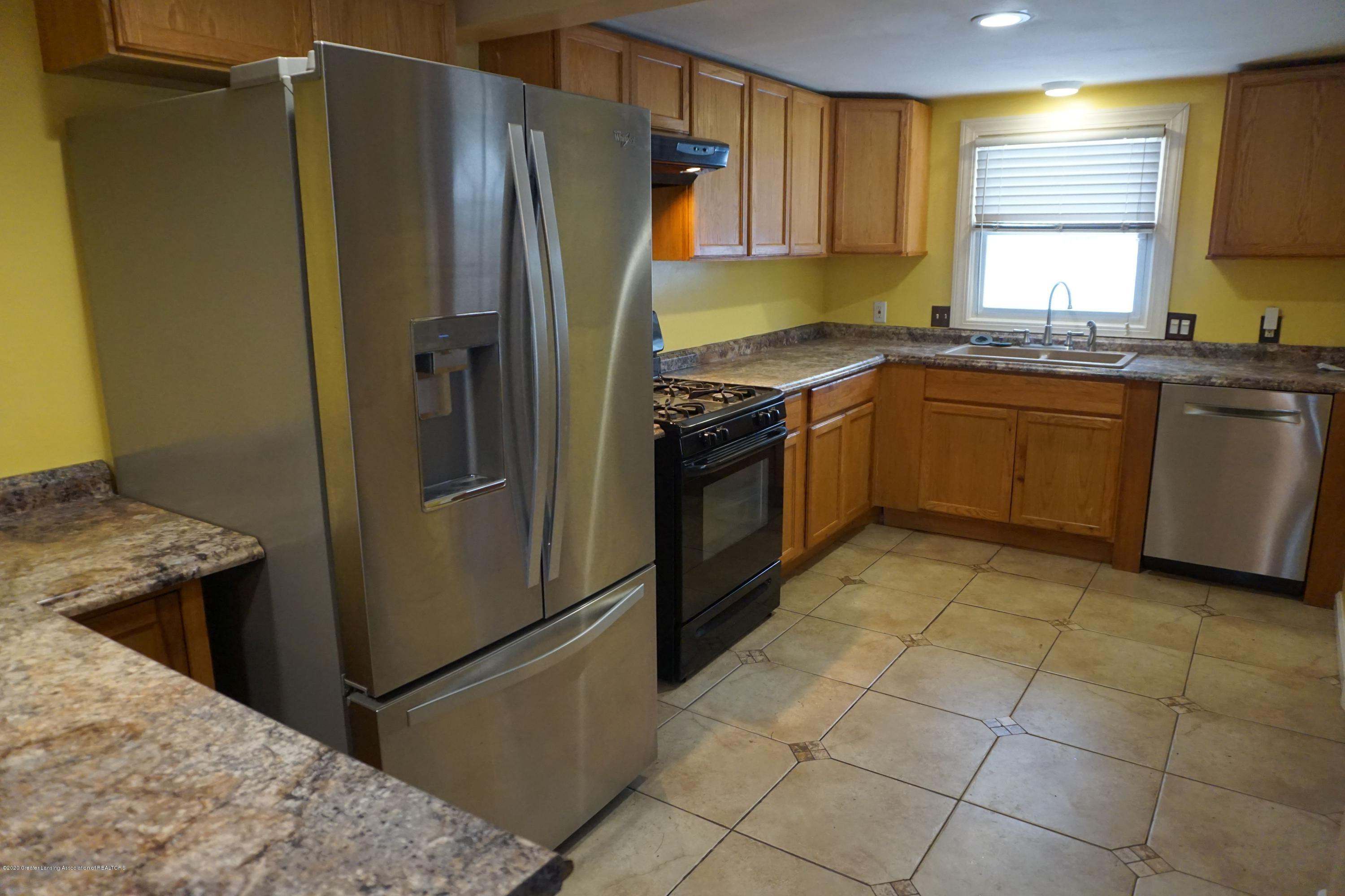 9321 Oakdale Dr - Kitchen - 2