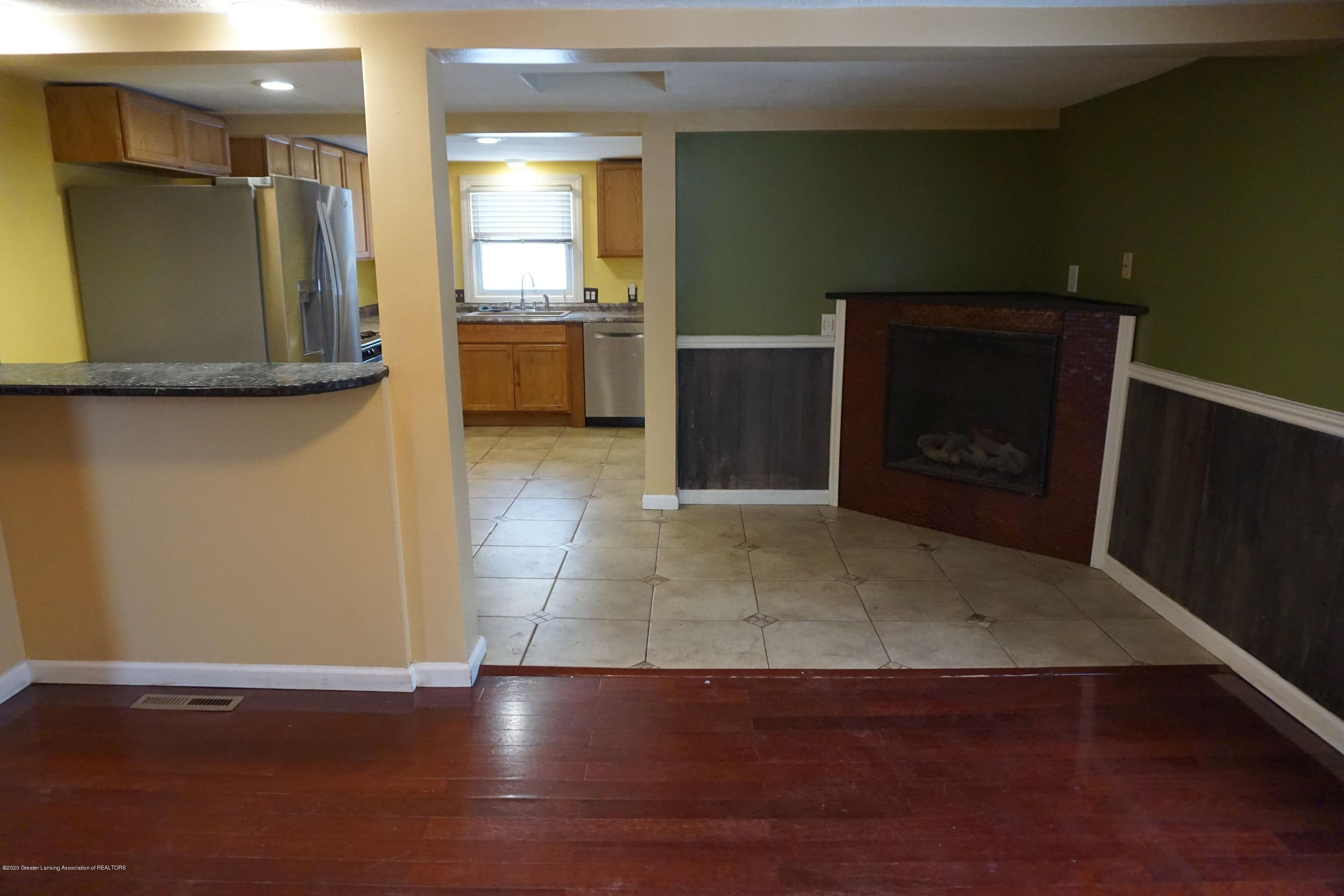 9321 Oakdale Dr - Open Layout - 9