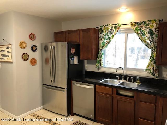 2697 Linden St - Kitchen - 8