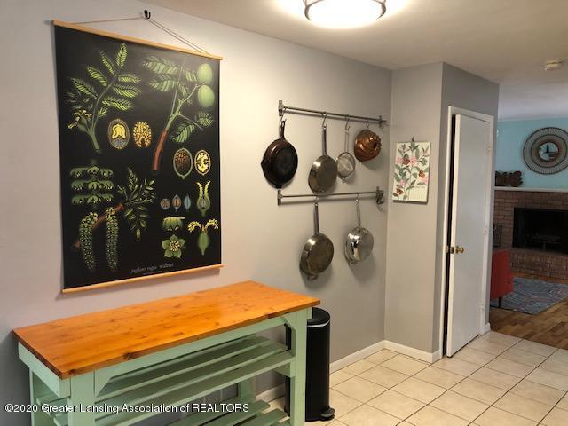 2697 Linden St - Kitchen - 10