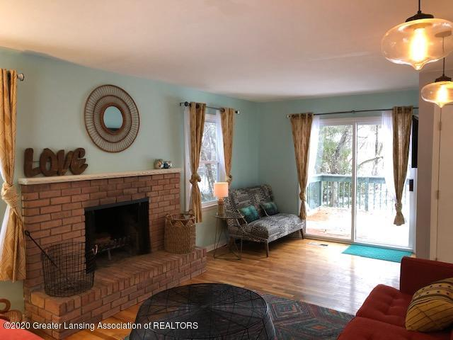2697 Linden St - Living Room - 13