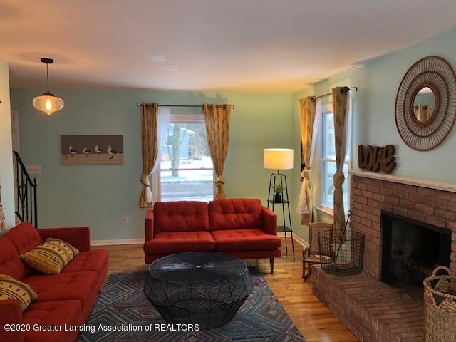 2697 Linden St - Living Room - 16