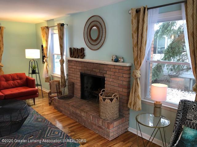 2697 Linden St - Living Room - 17