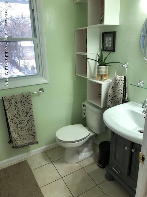 2697 Linden St - Bathroom - 24
