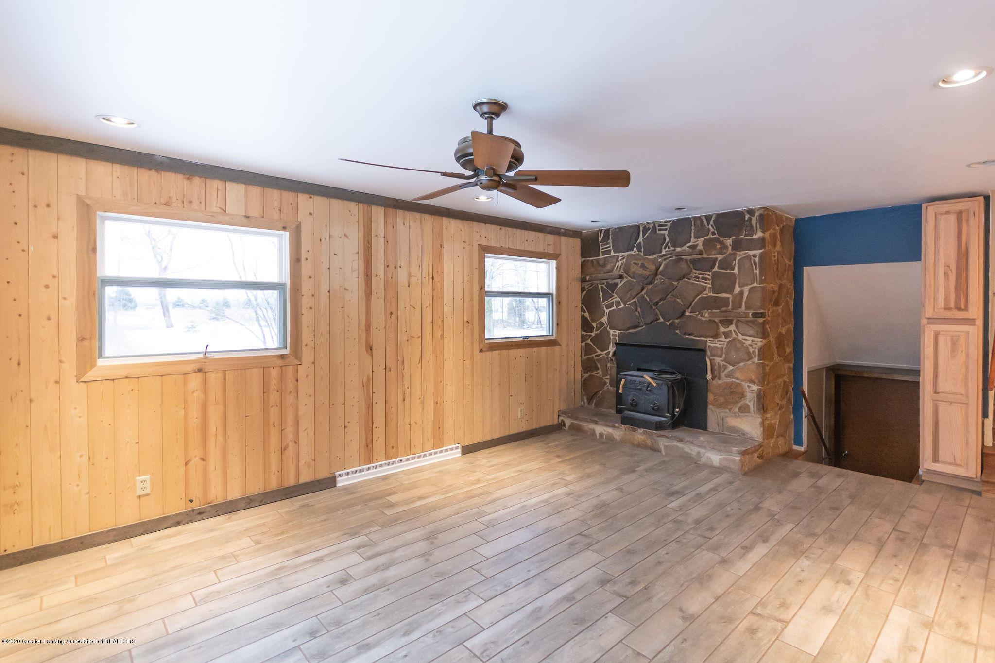 2281 E Kinsel Hwy - livingroom1 - 3