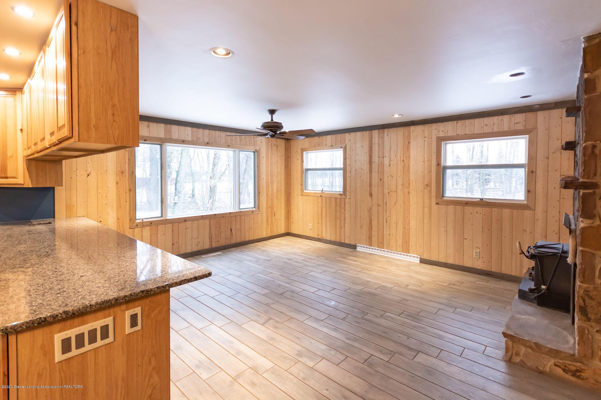 2281 E Kinsel Hwy - livingroom2 - 2