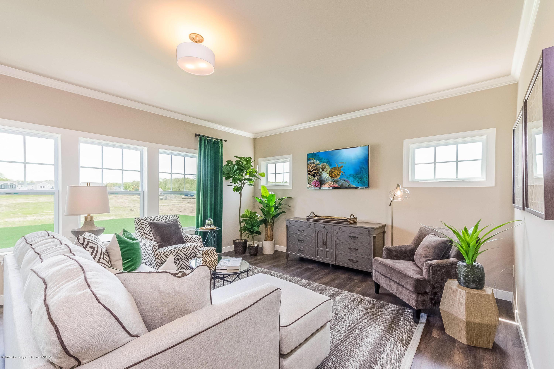 5344 Somerset Dr - Edit Living Room OGM064-E2390-1 - 5