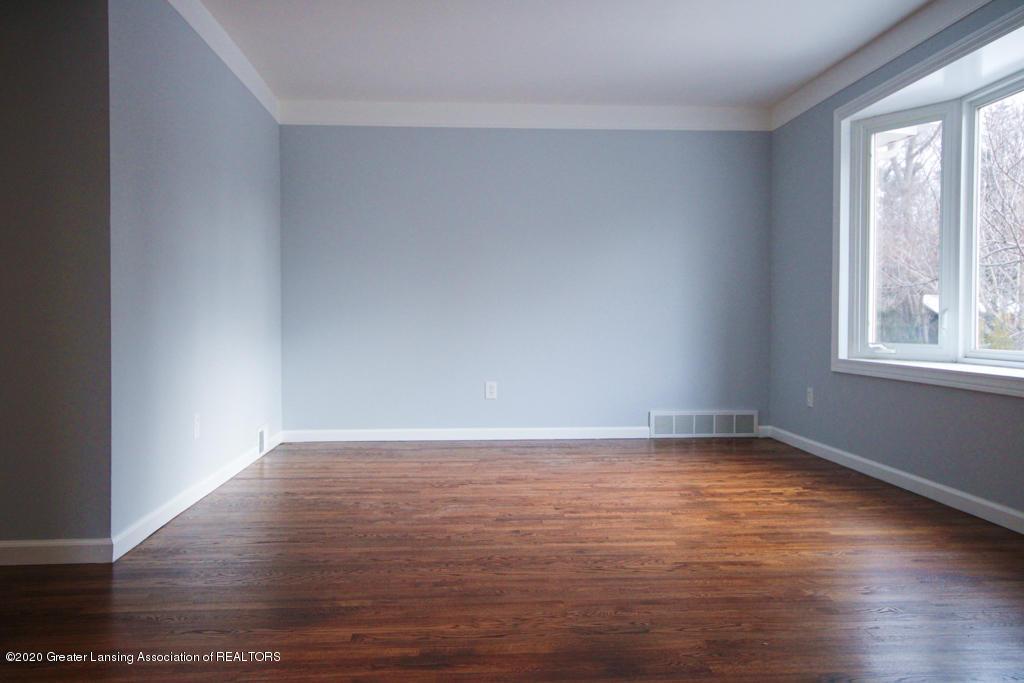 109 Bauman Ave - Living Room - 5