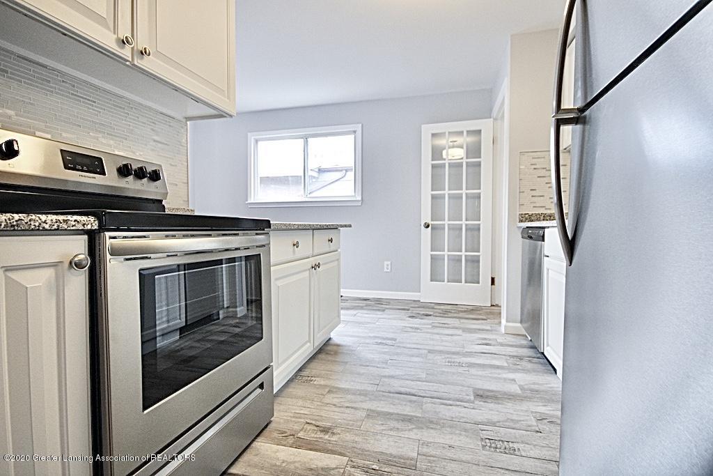 109 Bauman Ave - Kitchen - 6