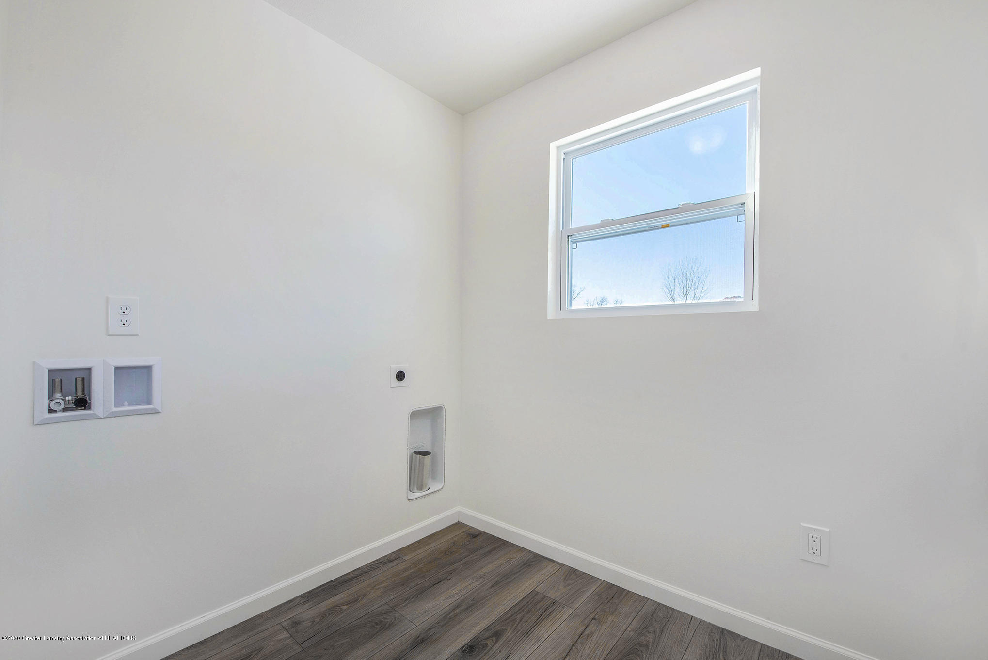 1114 River Oaks Dr - GVH073-i1830-Laundry Room - 10