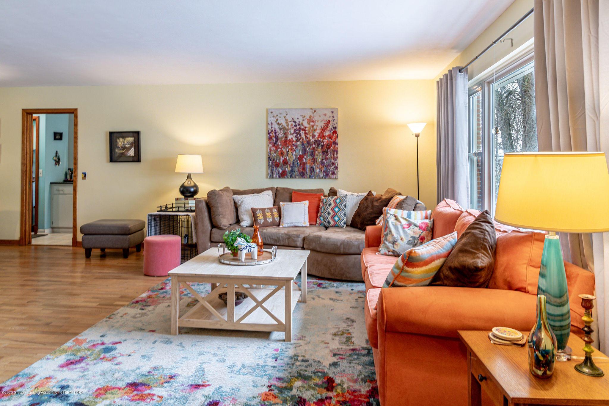 945 Audubon Rd - living room 2 - 6