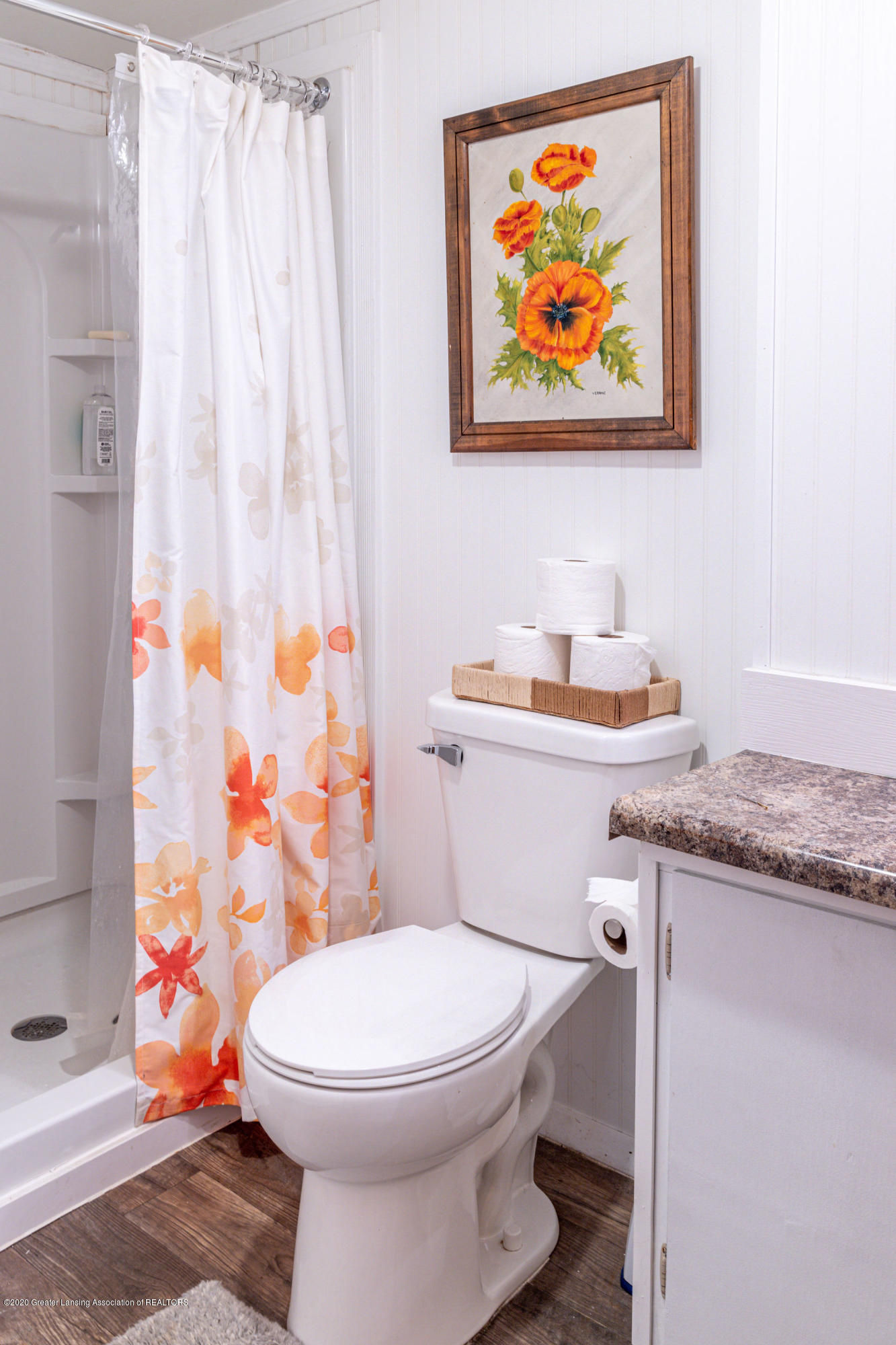 945 Audubon Rd - lower level bath use - 14