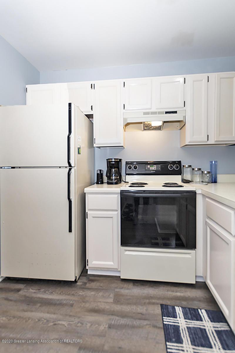 5680 Deville Ct - 5680 DeVille Ct.  East Lansing Kitchen 3 - 8