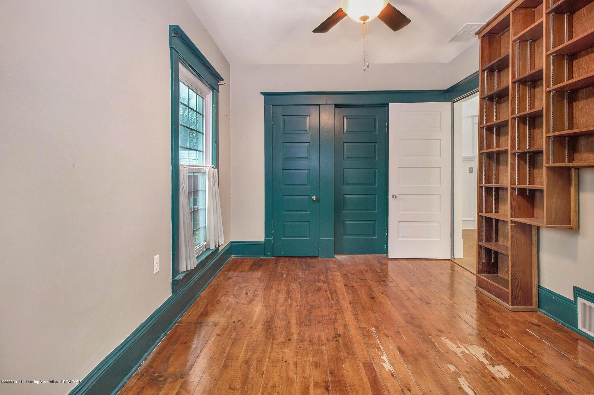 320 W Harris St - Back Bedroom - 21