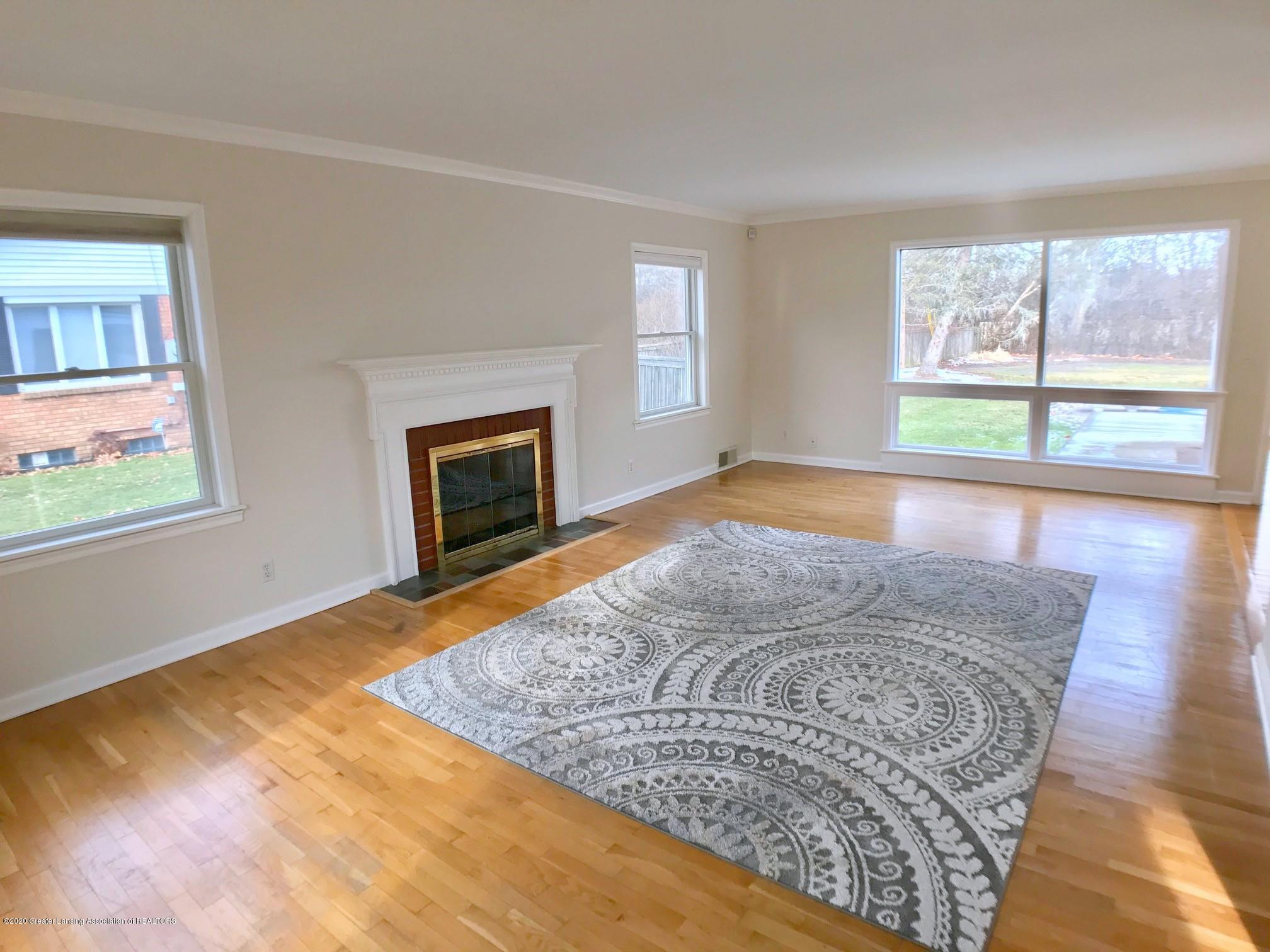 2800 N Cambridge Rd - Living Room - 3