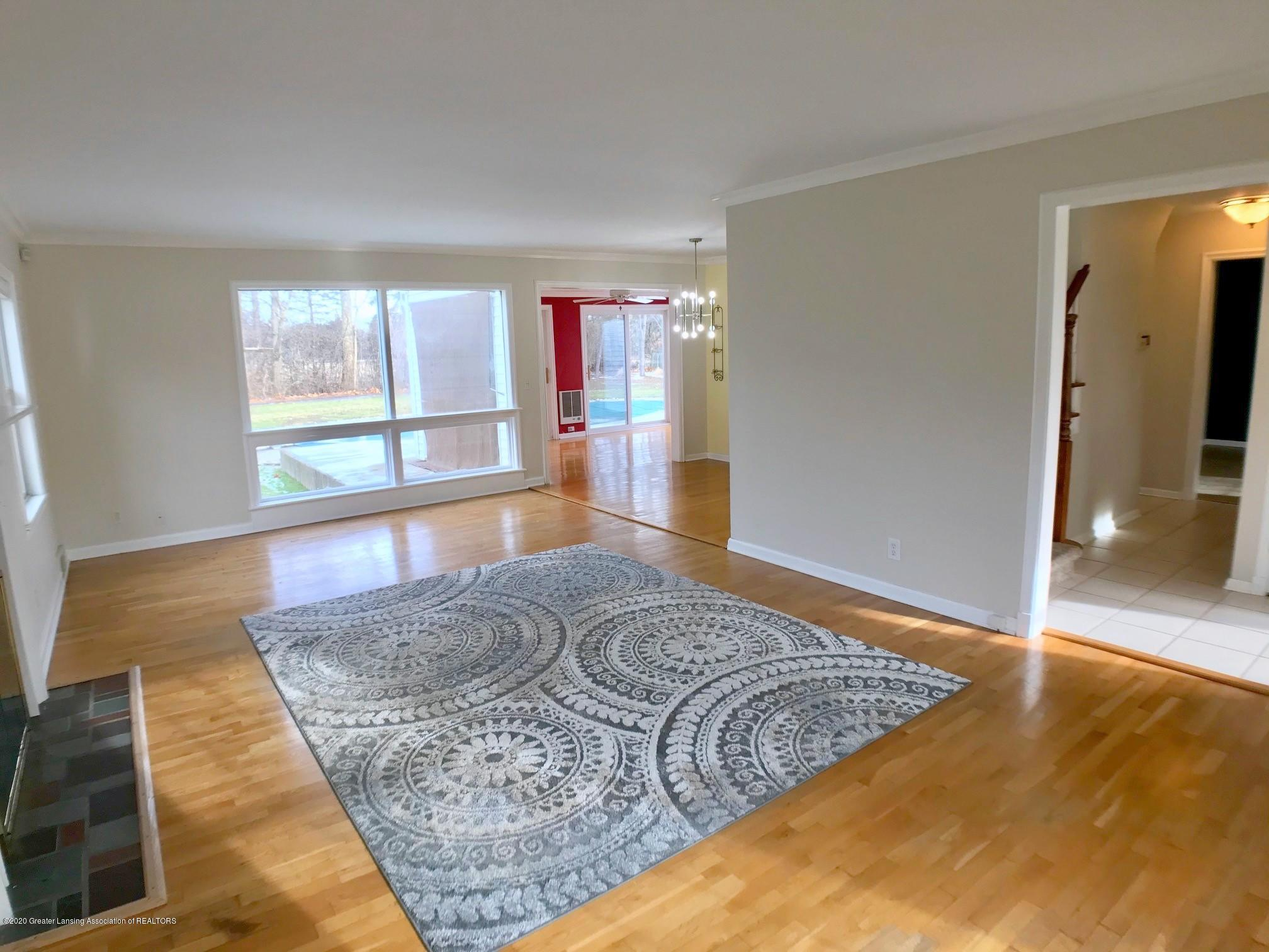 2800 N Cambridge Rd - Living Room - 4