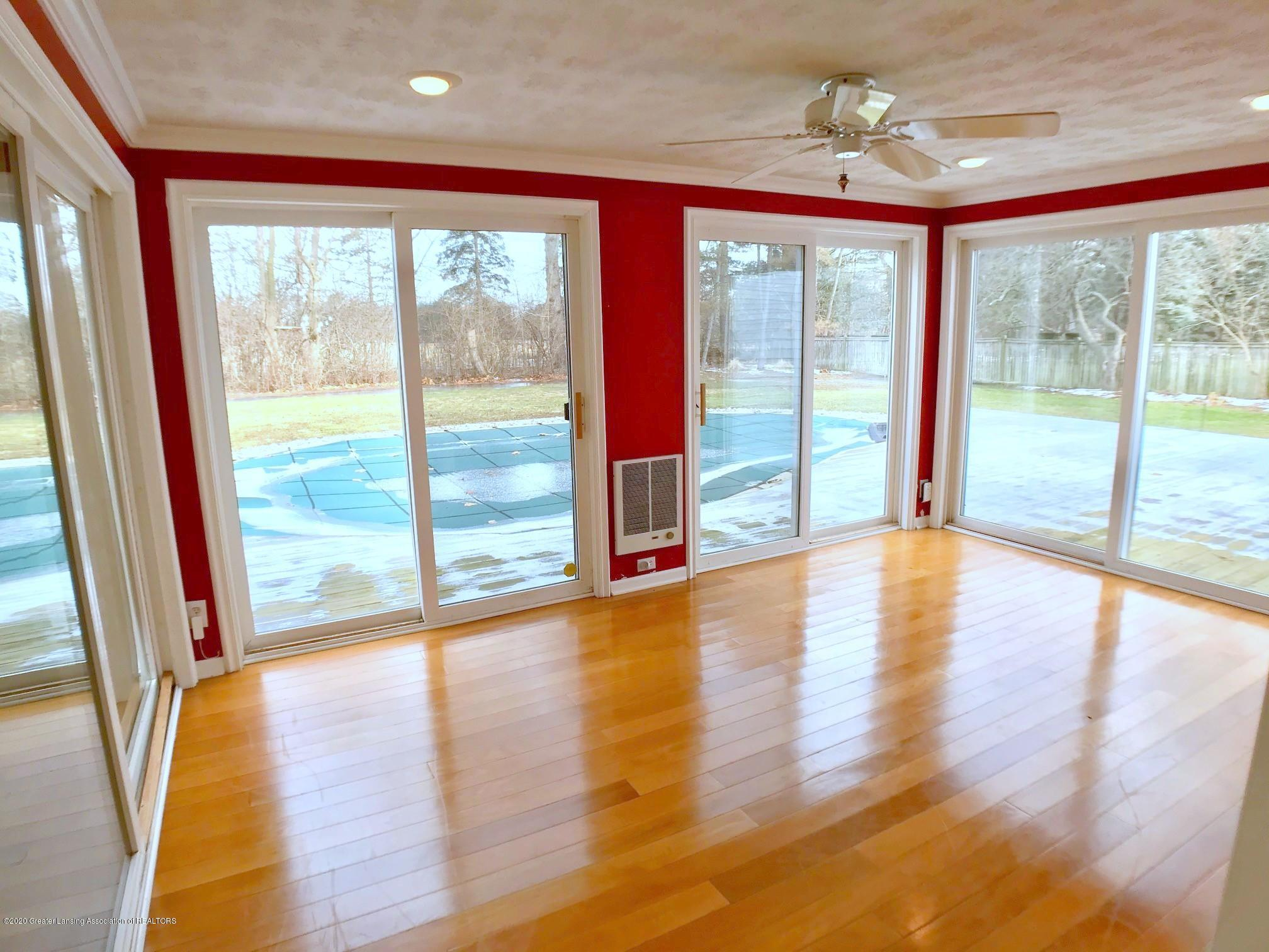 2800 N Cambridge Rd - Family Room - 12