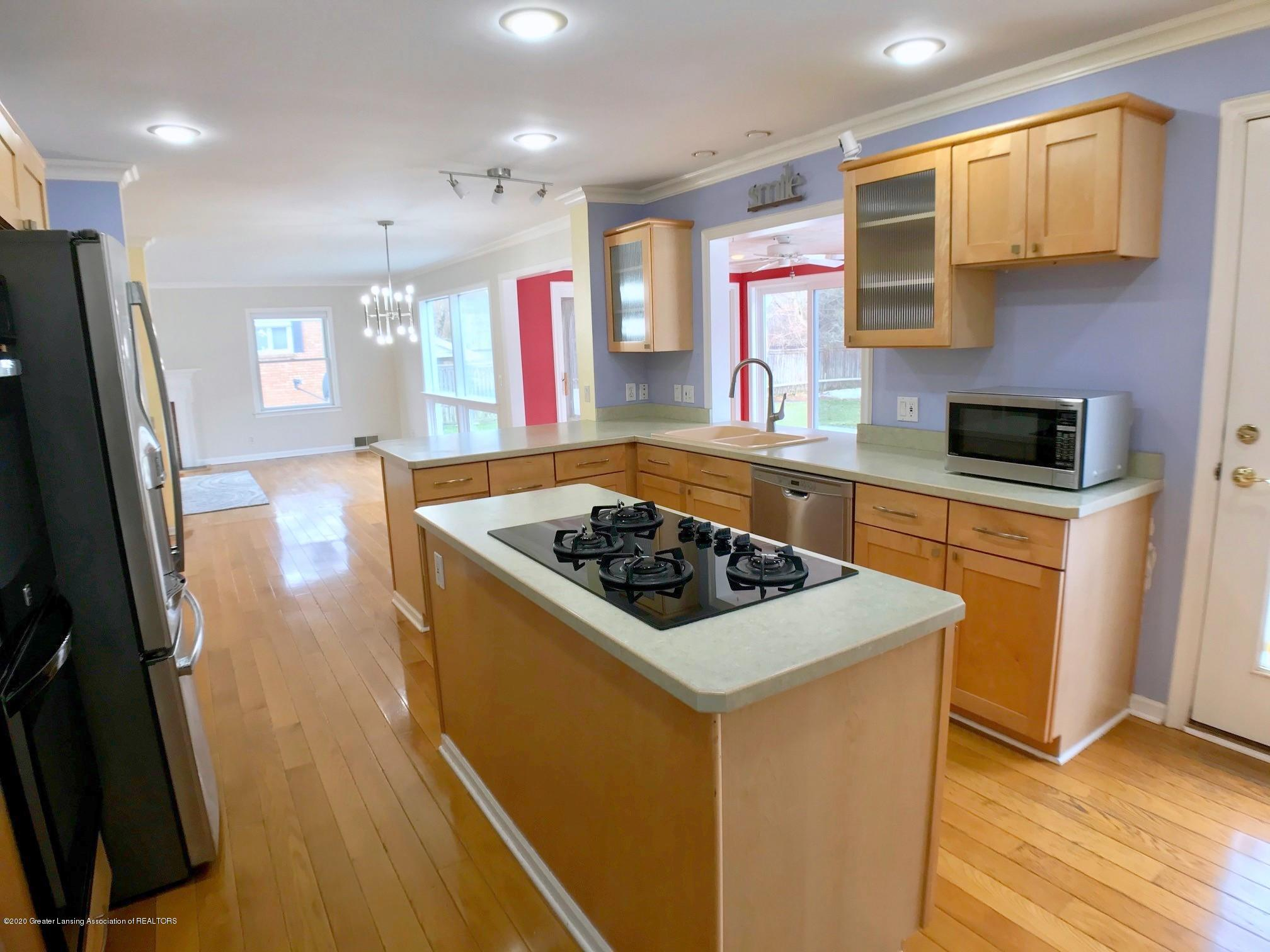 2800 N Cambridge Rd - Kitchen - 9