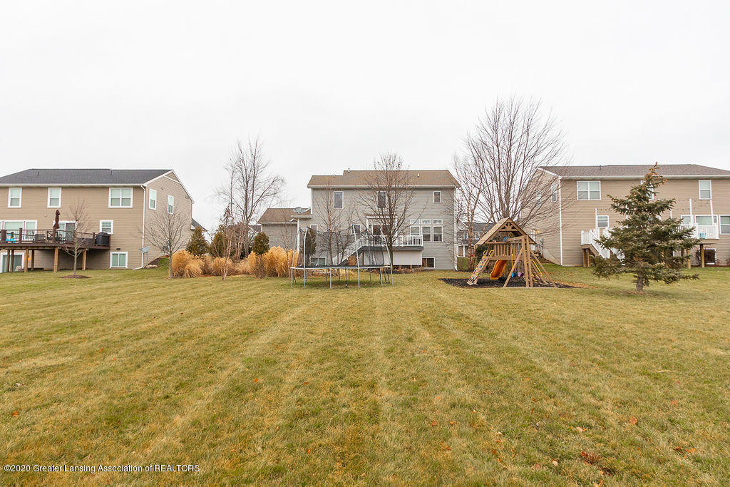 1274 Cambridge Cir - Photo-10 - 61