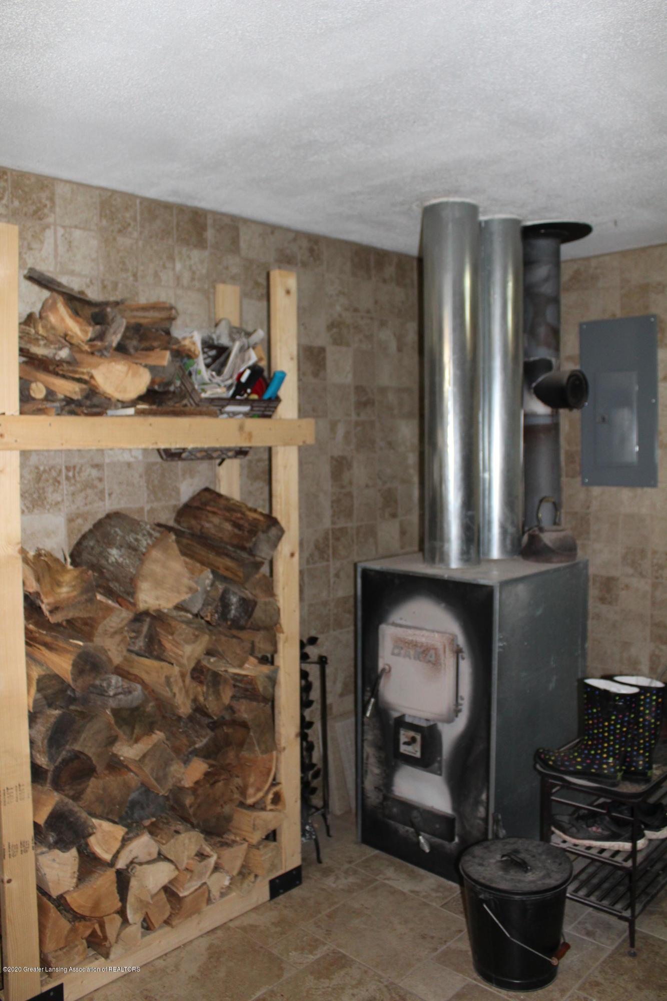 3570 Webberville Rd - Wood stove - 13