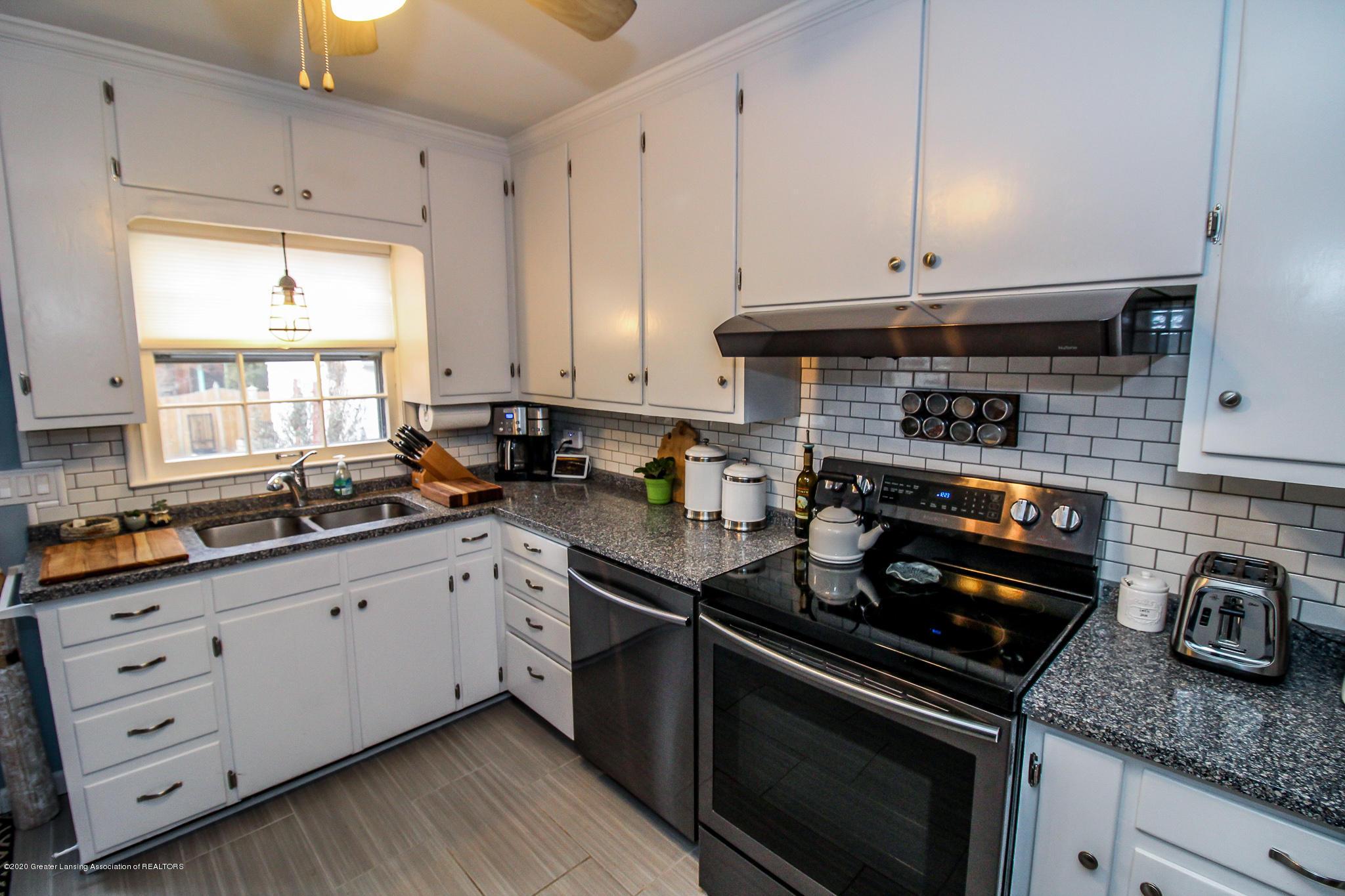 519 Kedzie St - kitchen - 10