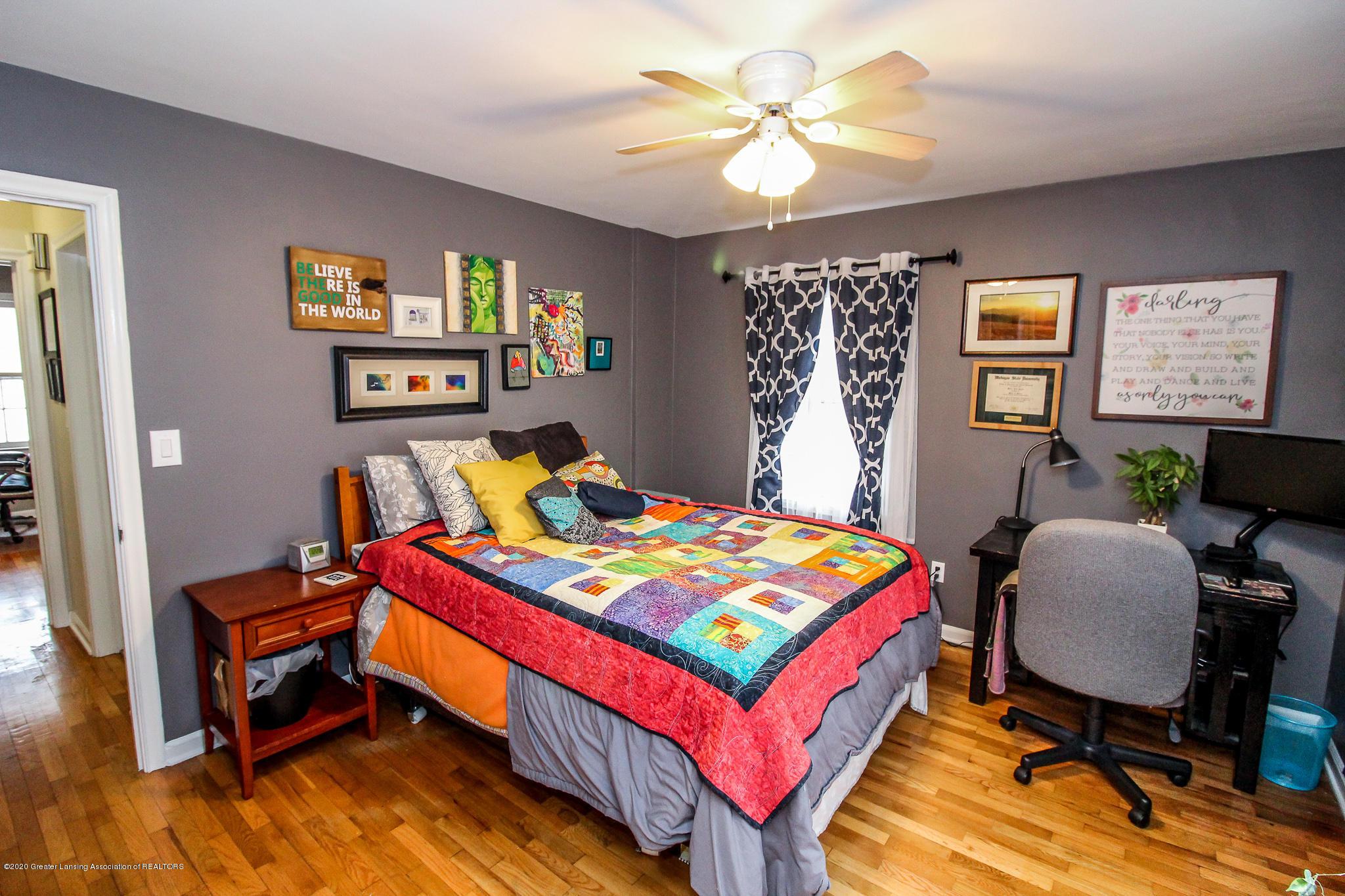 519 Kedzie St - main floor bedroom - 21