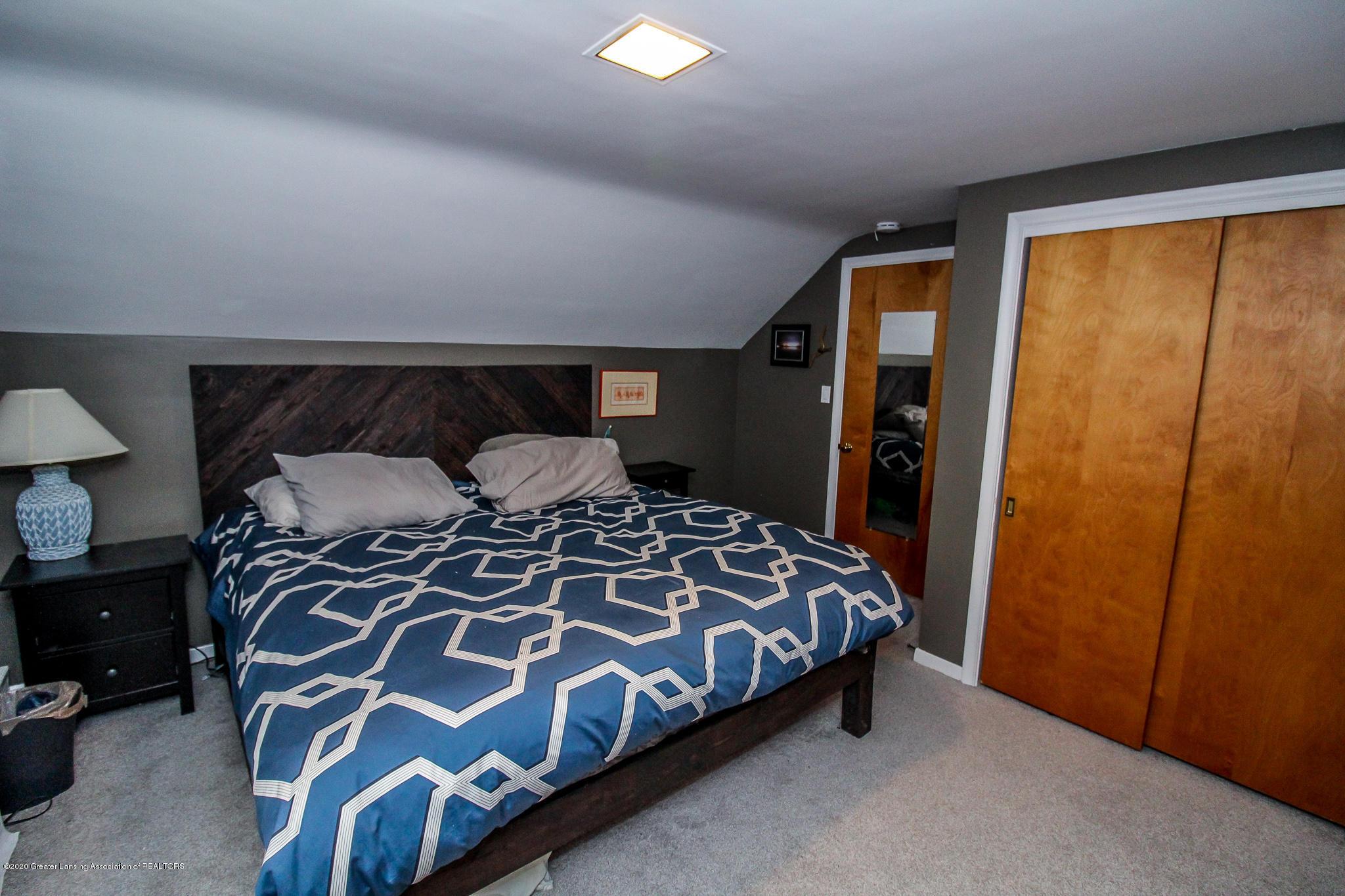 519 Kedzie St - upstairs bedroom - 26