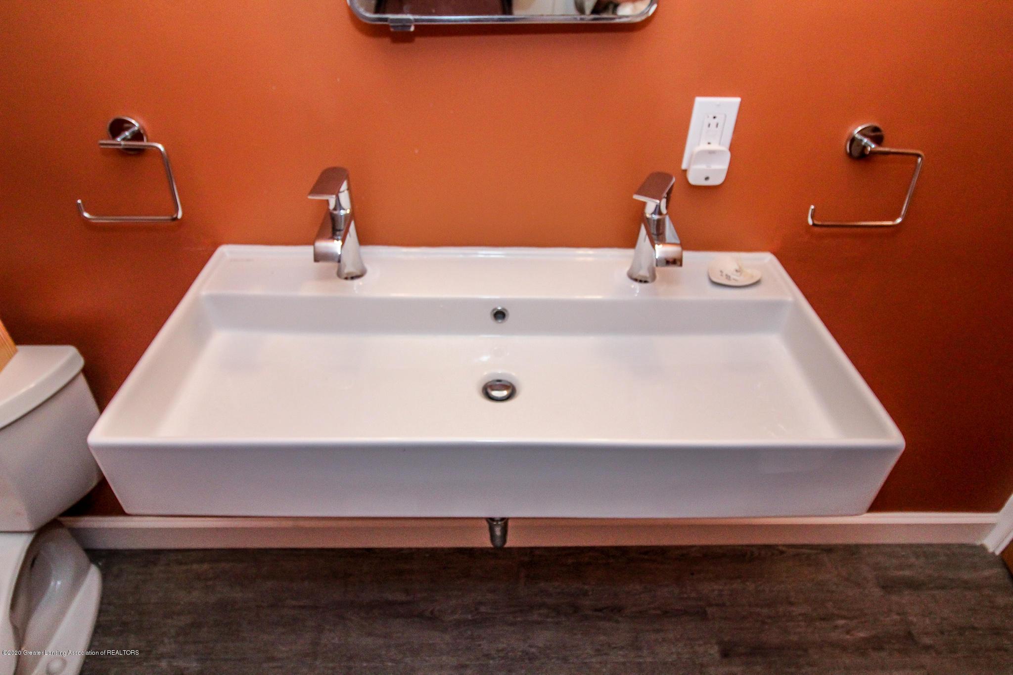 519 Kedzie St - double sink - 29