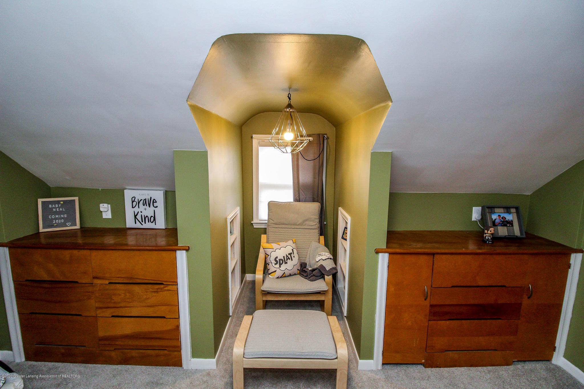 519 Kedzie St - upstairs bedroom - 31