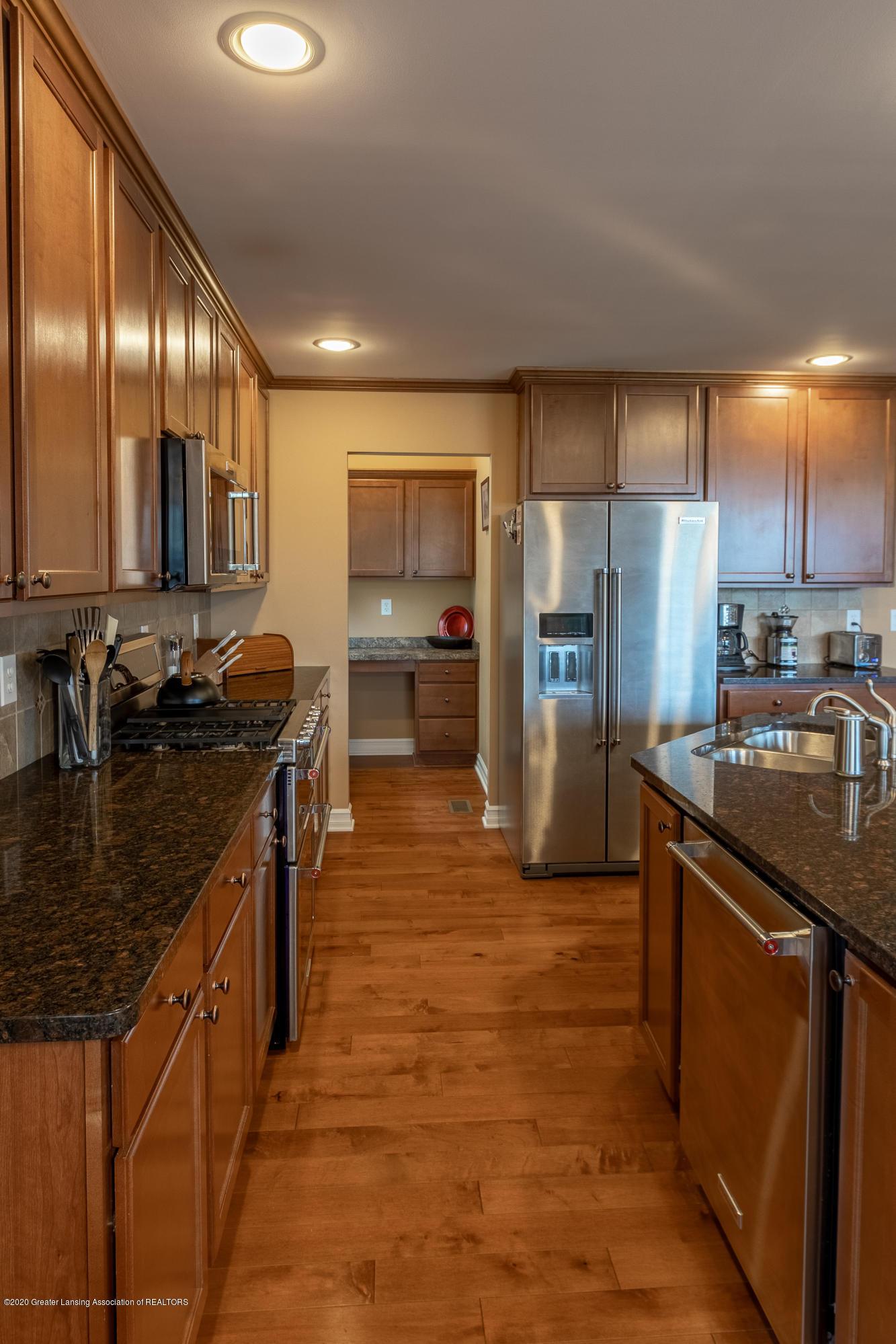 3852 Zaharas Ln - Kitchen - 24