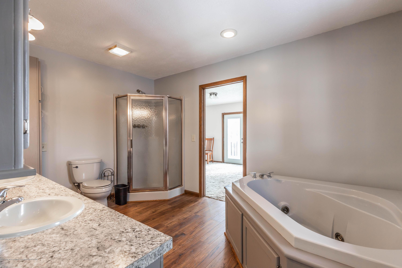 6111 S Morrice Rd - Master Bathroom - 23