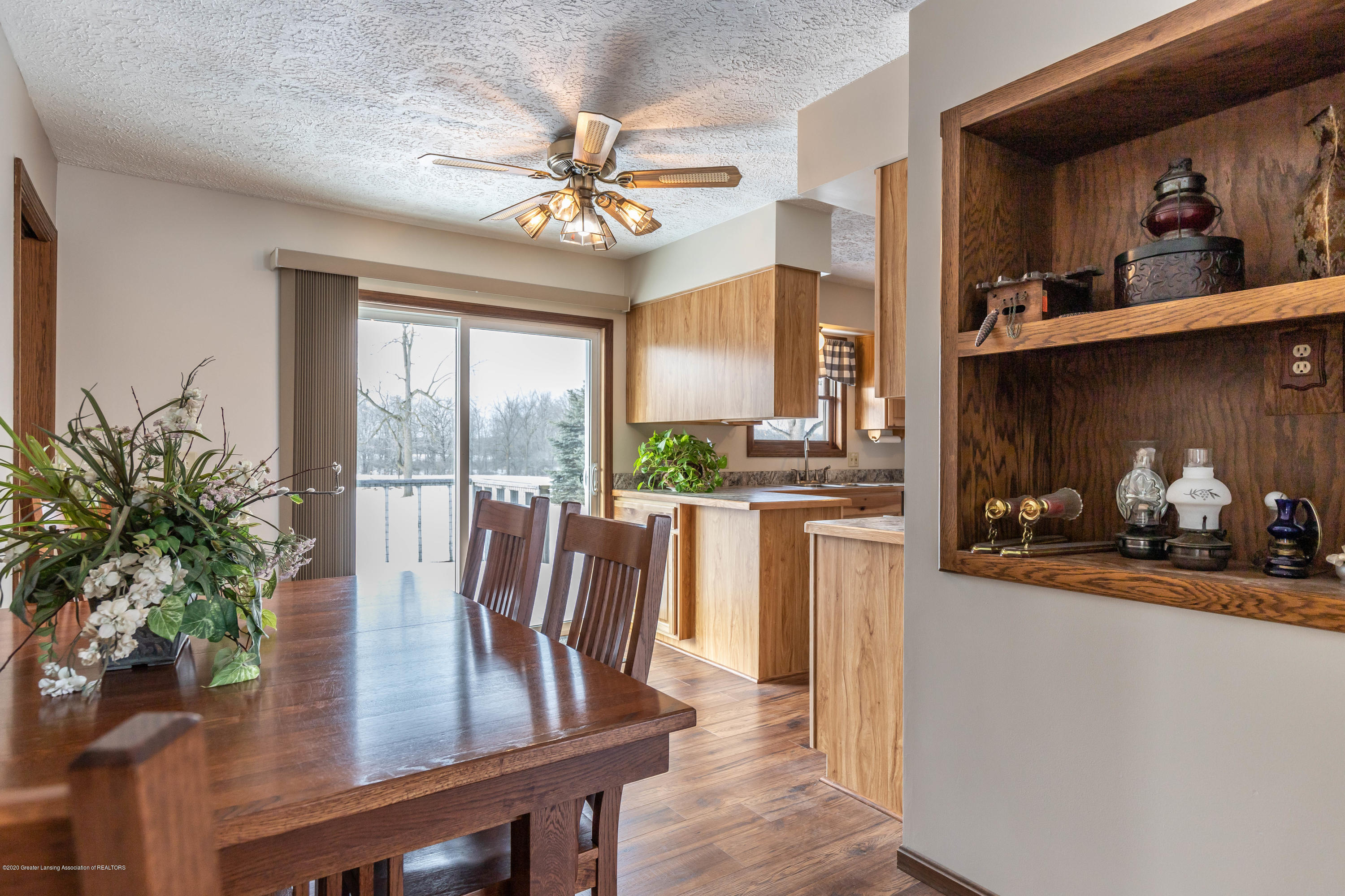 6111 S Morrice Rd - Dining Area - 7