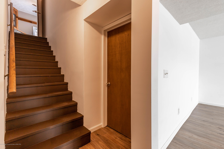 6111 S Morrice Rd - Basement Stairs - 25