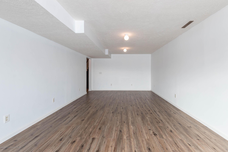 6111 S Morrice Rd - Rec Room - 27